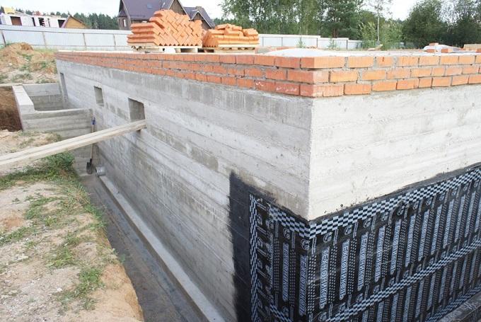 цоколь из бетона